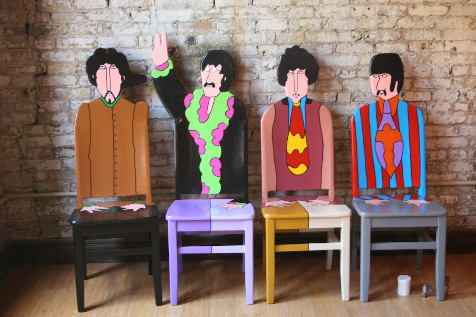 Fendos chair painting The Beatles Yellow Submarine